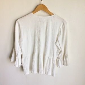 Moon River Tops - Moon River White Top Size XS Cream Ruffle Sleeves